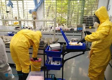 我教师积极参与实验室化学品泄漏应急演练